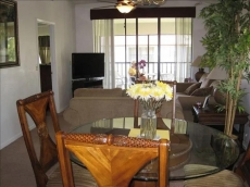 Shorewalk Condo, Newly Redecorated with Lake View