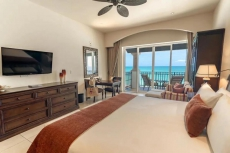 Grand Residences Riviera Cancun!! Junior Suite  Beachfront and Junior Suite with Jacuzzi!!
