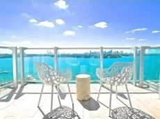 2 ROOMS 3 BEDS DIRECT BAY VIEW BALCONY @ 1100 WEST