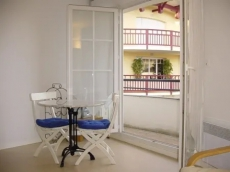 2 Bedrooms Apartment Residence Auguste