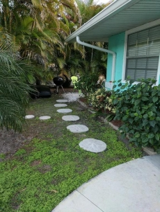 ADORABLE LOW COST PRIVATE 1BR VILLA- 1.5 blocks to BEACH- at GREAT prices!!