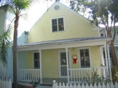 Welcome to our Bermuda-style cottage in the Truman Annex