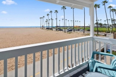 1007 E Balboa 10 · On the sand, dream vacation! Walk to everything!10