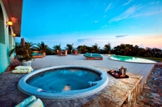 Outdoor Jacuzzi Spa for Six