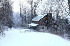 Amazing 3 Story Log Cabin with View/Jacuzzi/Loft/Pool Table/Wi-Fi