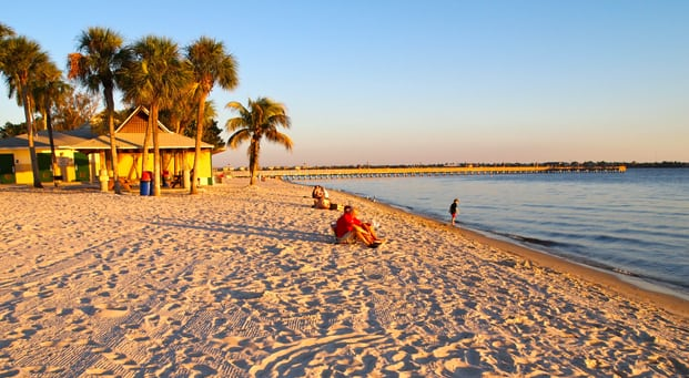 Enjoy a thrilling experience at Gulf Coast - No booking fee & no service fee condo, cabin, cottage, apartment, villa and house in cape coral